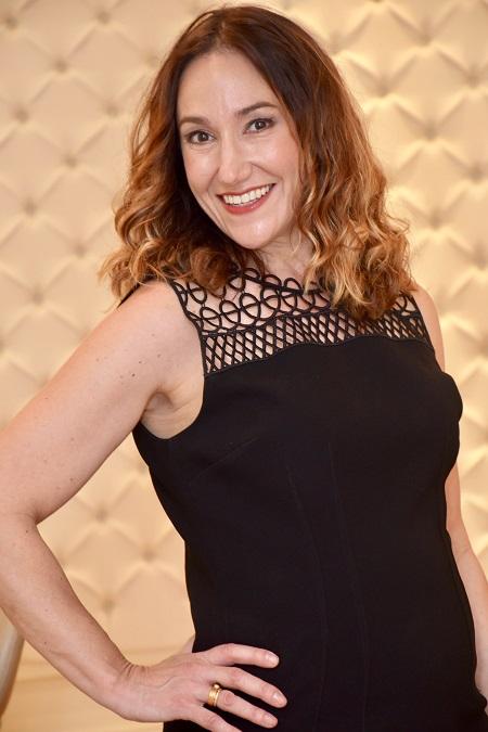 headshot of Jennifer Schoenfeld wedding planner