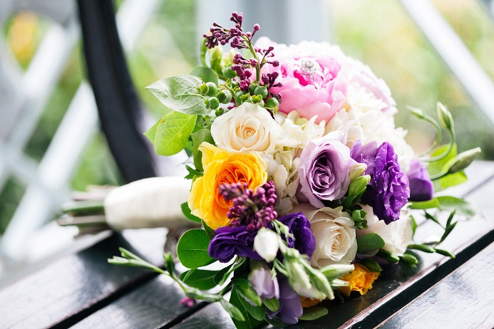 colorful-spring-wedding-bouquet