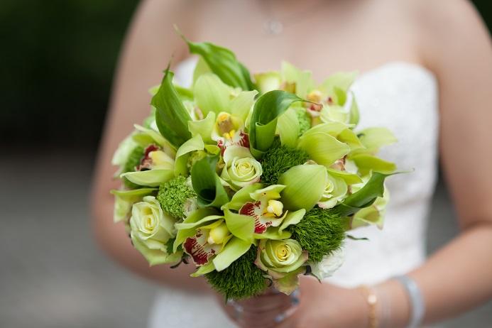 green-bridal-bouquet-callas-orchids