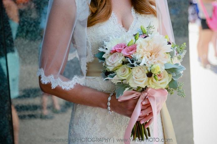lush-round-bridal-bouquet-dusty-miller
