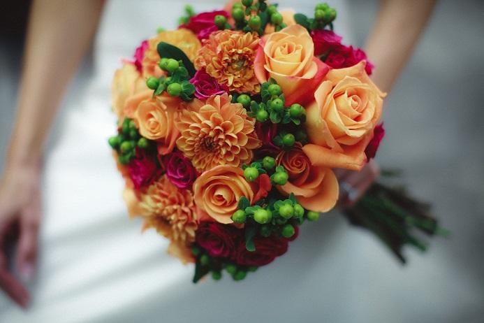 orange-pink-summer-bridal-bouquet