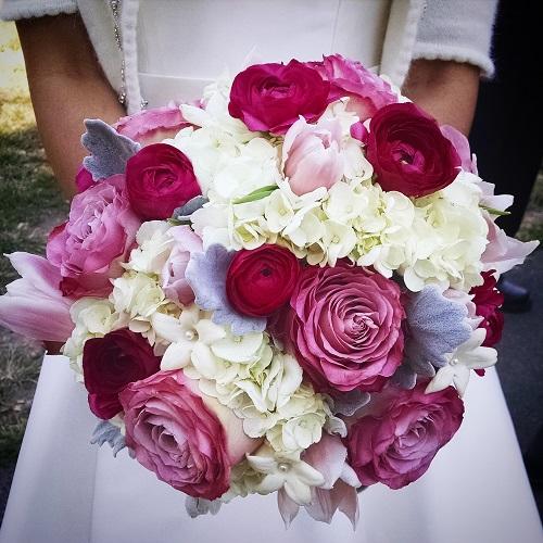 pink-white-bridal-bouquet