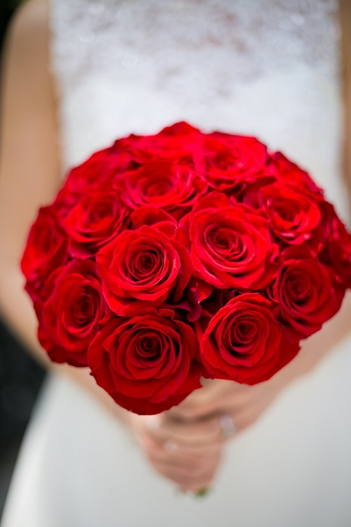 red-rose-bridal-bouquet