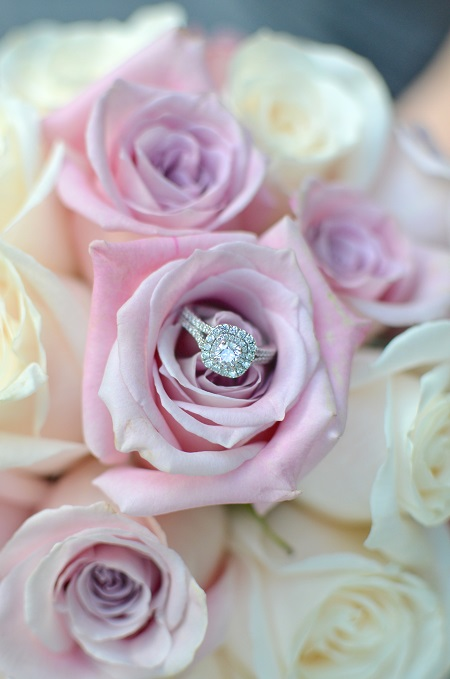 ring-detail-bridal-bouquet