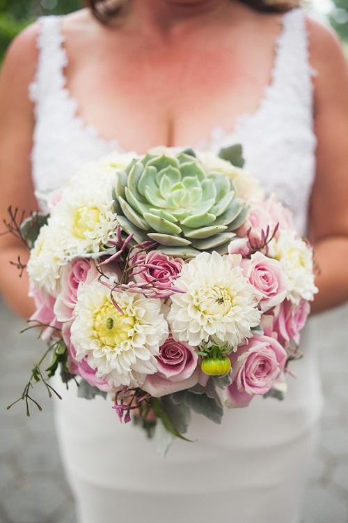 succulent-bridal-bouquet-pink-ivory