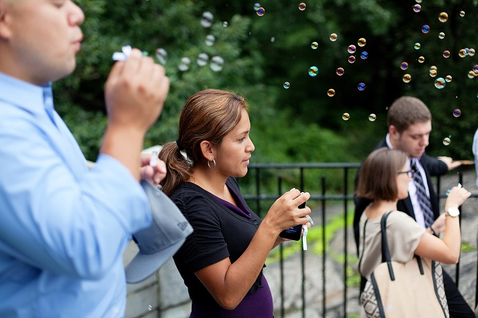 bubbles-outdoor-wedding