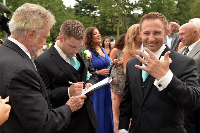 groom-photo-central-park-wedding