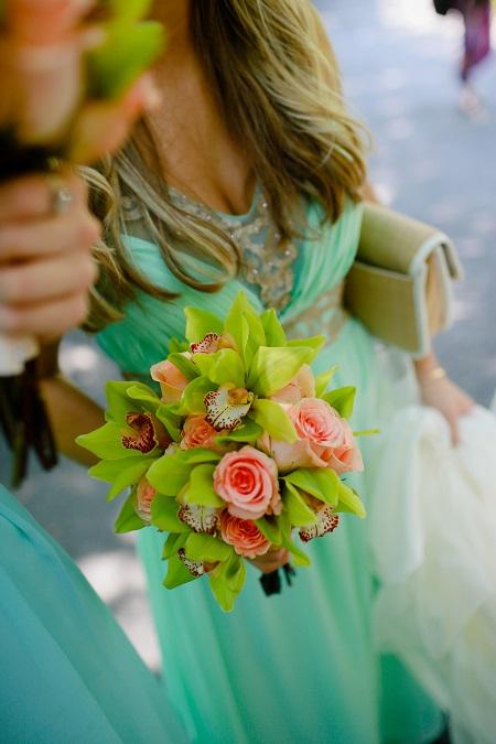 peach-citrus-bridesmaid-bouquet