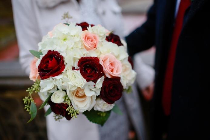 burgundy-cream-white-winter-wedding-bouquet