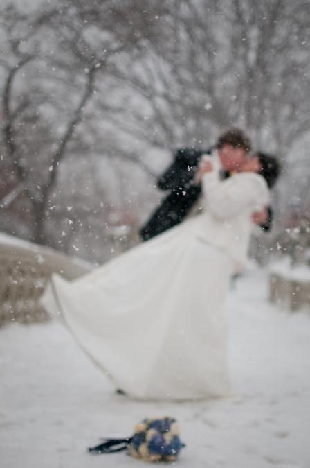 bow-bridge-winter-wedding-portrait
