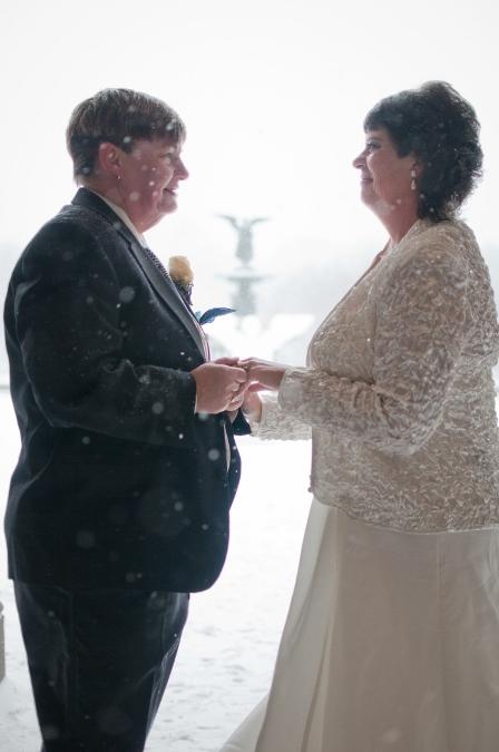 winter-wedding-ceremony-central-park-nyc