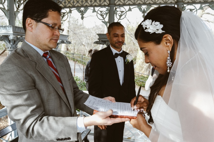 marriage-license-signing-central-park