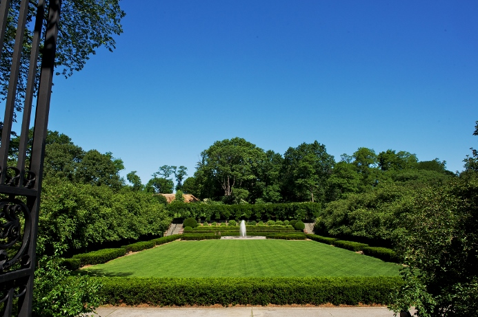 conservatory-garden-wedding-at-wisteria-pergola-18