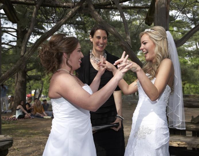 spring-wedding-at-cop-cot (14)
