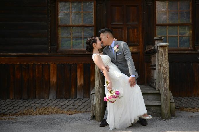 spring-wedding-at-shakespeare-garden-27