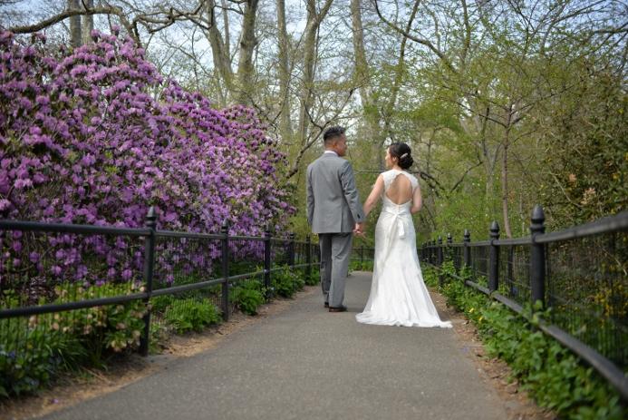 spring-wedding-at-shakespeare-garden-29
