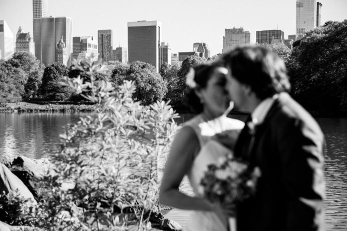 wedding-ceremony-at-shakespeare-garden (22)