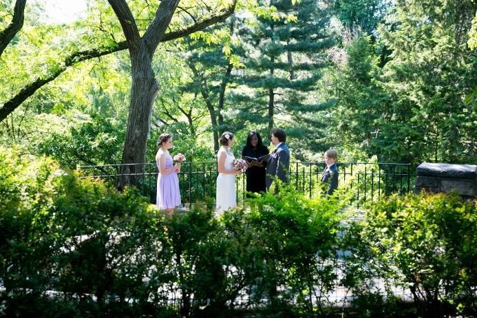 wedding-ceremony-at-shakespeare-garden (7)