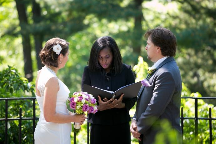 wedding-ceremony-at-shakespeare-garden (8)