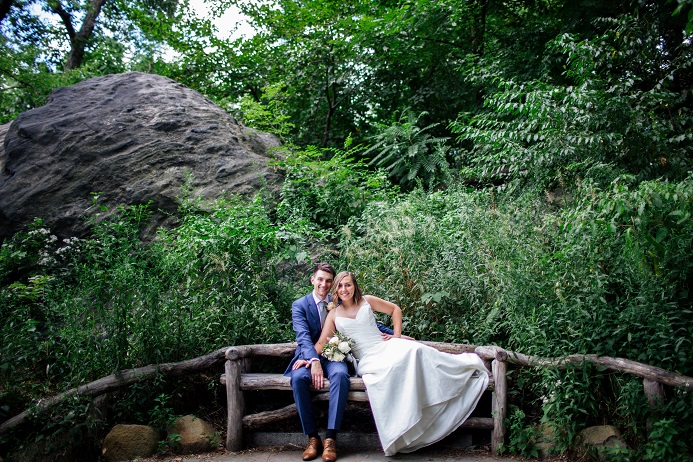 A Central Park Wedding Get Married In Nyc Intimate Central Park Wedding In Shakespeare Garden