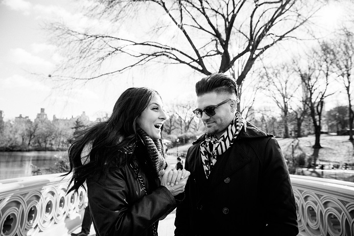 surprise-proposal-in-central-park (5)